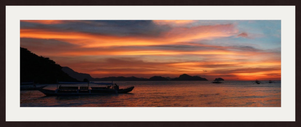 """HOHLBAUM.ART stellt vor Alexander Korostylevs Foto """"Palawan Philippines"""" mit Fischerboot im Fokus"""